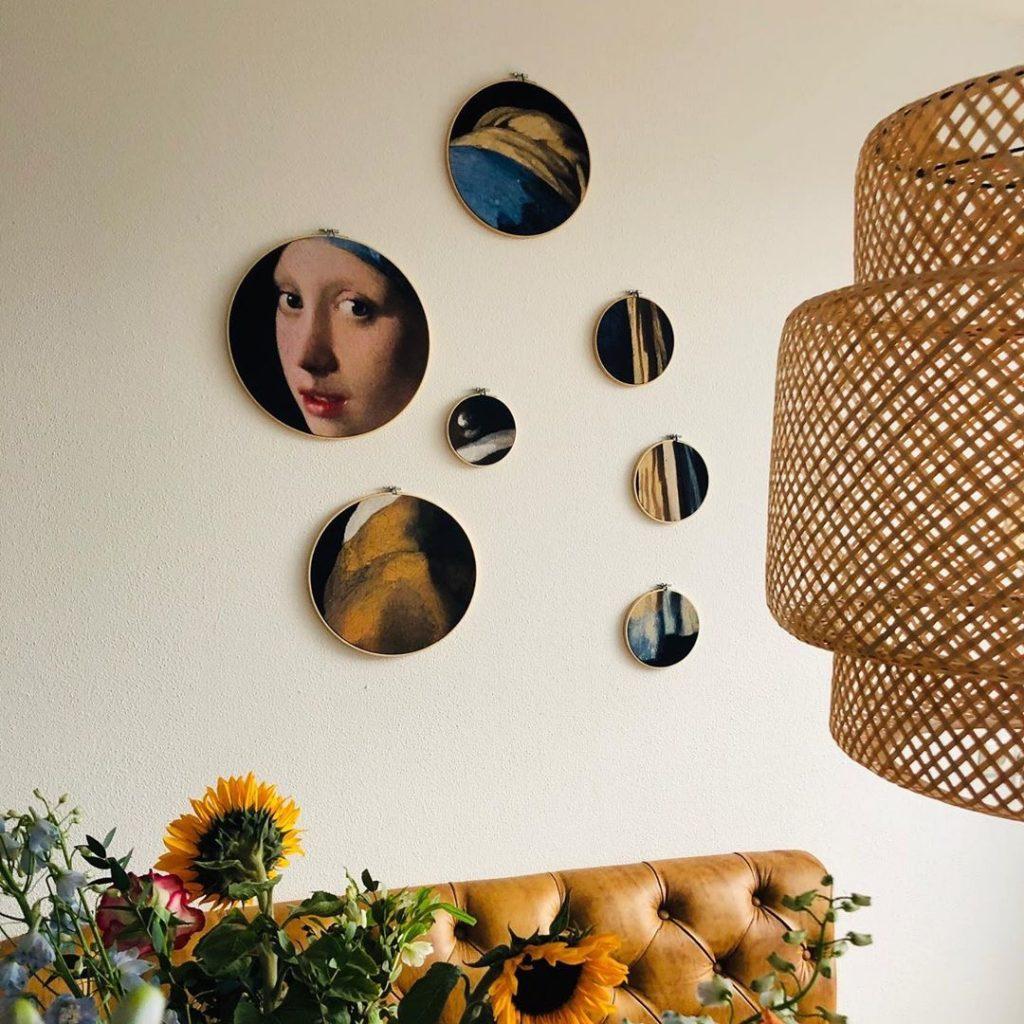 interieur eetkamer woonkeuken wanddecoratie in borduurringen: Meisje Met De Parel van Johannes Vermeer