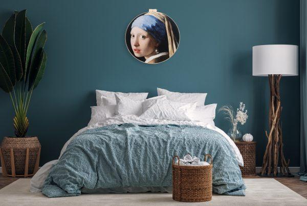 Zo kan het Meisje met de Parel I eruit zien in een landelijk, blauwe slaapkamer